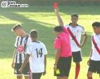 Carlos Leonel Torres se va expulsado al 46'